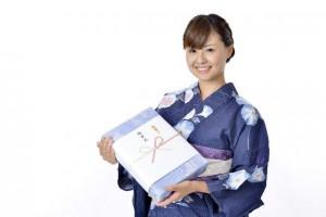 お中元の時期は、関西や九州、北海道で少し違うようです。