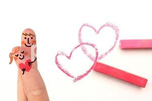 婚約指輪の人気ランキングから、贈る指輪を選んでみましょう。