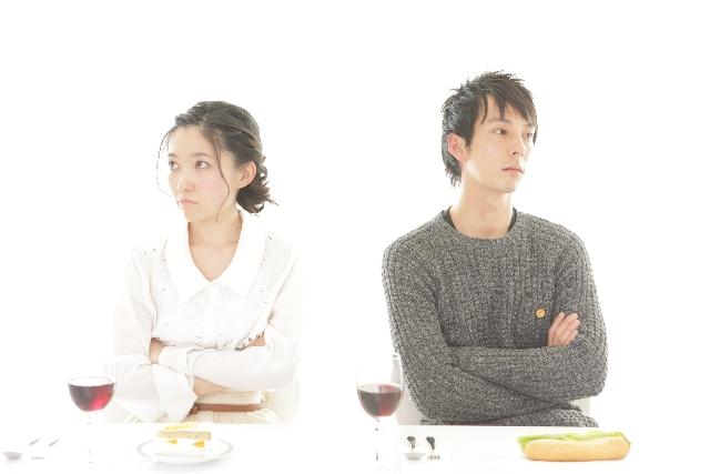 結婚して後悔する男性が急増中!?男性が陥る負の心理とは…