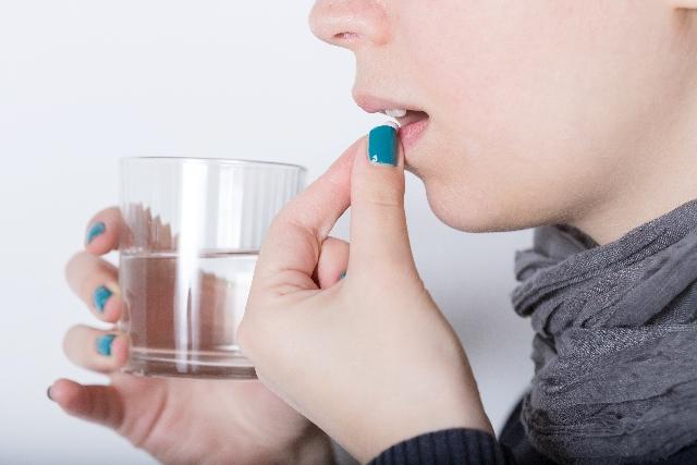 薬の服用は炭酸水等で飲むという人へ!間違った飲み合わせとは