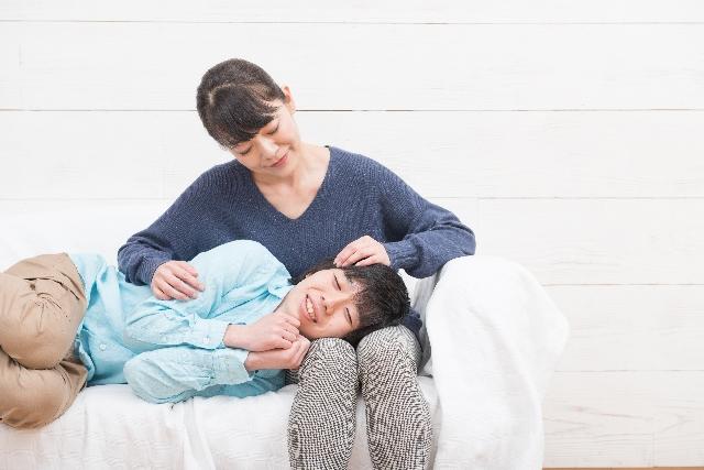 息子と母親がべったり!急増するママっこ男の将来の問題点とは