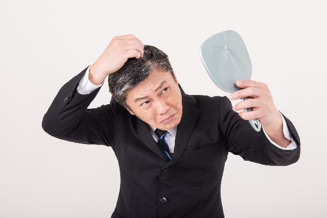 髪の毛を死守!ハゲを防止する為知っておきたい原因と対策法