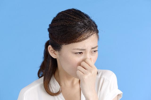 鼻の奥が臭い…つまむとにおう原因は蓄膿症のせいかも!?