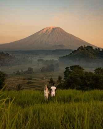 Mount-Agung-viewpoint-sunrise-800x1000