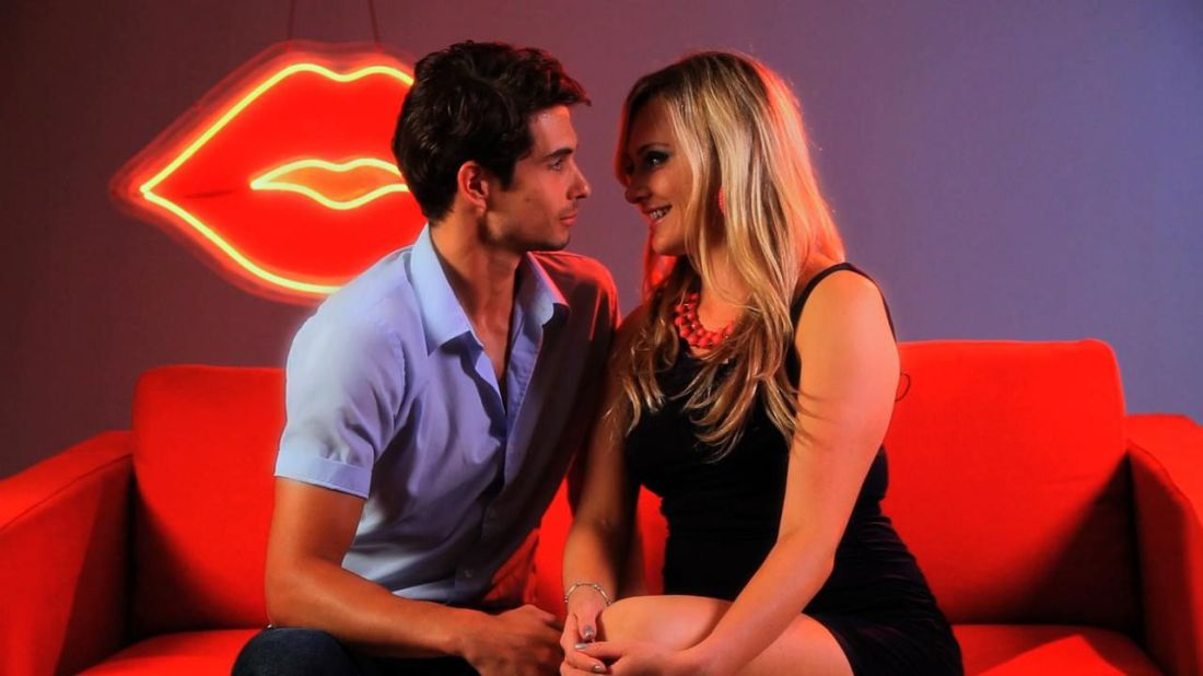 How to get someone to kiss you kiss you dating tips for