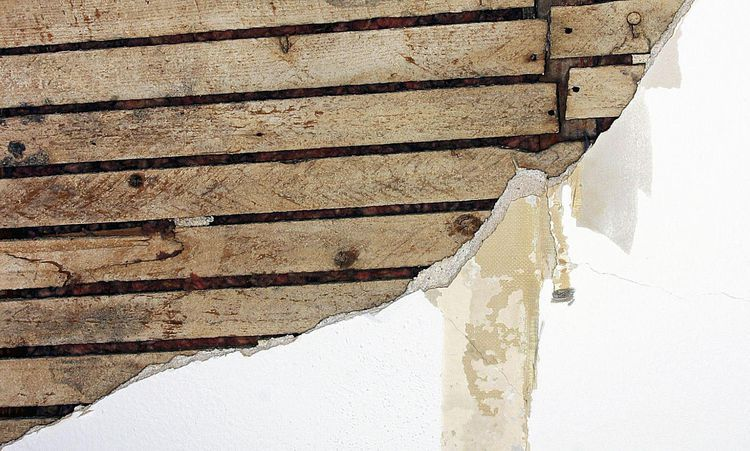 How to remove wallpaper from plaster plaster walls