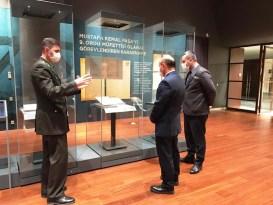 Başkan Oral, Milli Mücadele Sergisi'ni gezdi
