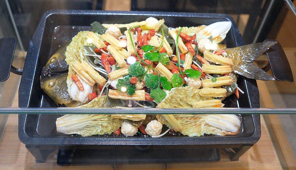 城裡城外巫山烤魚︱獨特「怪味烤魚」必吃,臺中烤魚第一名! - 金大佛的奪門而出家網誌