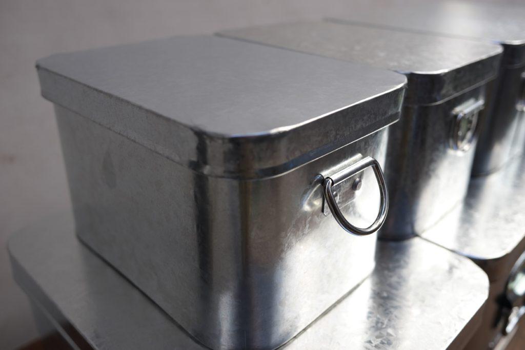 トタン米びつ2Kg 2200円