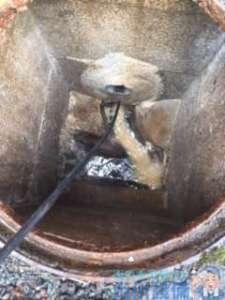 大阪府吹田市春日  賃貸マンション排水管つまり修理  高圧洗浄機