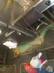 兵庫県神戸市中央区港島中町  厨房排水ホース水漏れ修理  排水管つまり修理  ドレンクリーナー