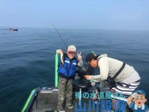 琵琶湖でバス釣りが初めての人でも杉村和哉ガイドなら安心
