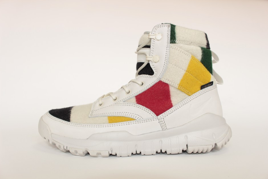 """NIKE SFB LEATHER 6"""" NSW NP QS OFF WHITE/BLACK 875040-101 ¥22,000(+tax) On Sale september 19, 2016"""