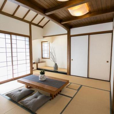 日本人の住まいに欠かせない和室は、床の間・炉・書斎を設けている。