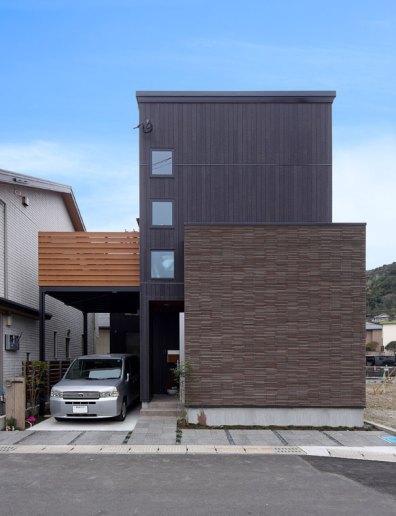 黒を基調としたスタイリッシュな外観|建築実例19-01
