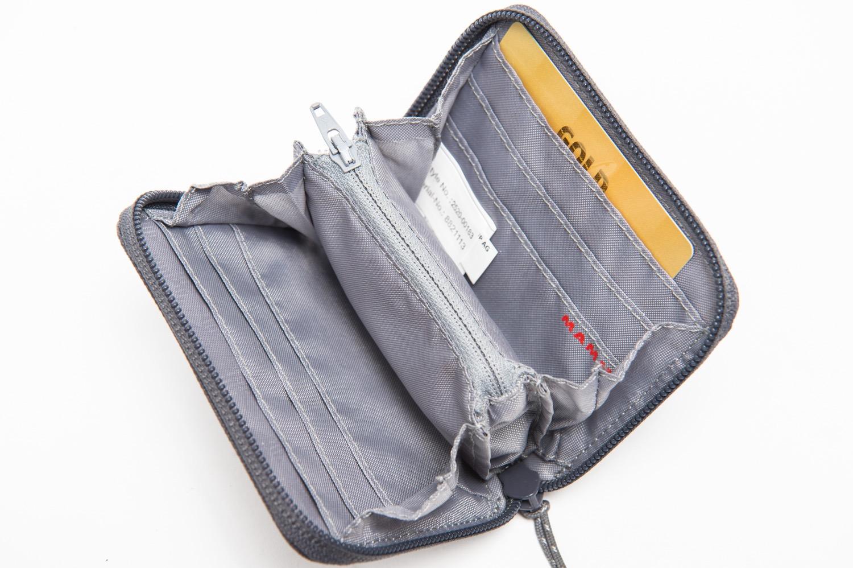 MAMMUTの財布の中身