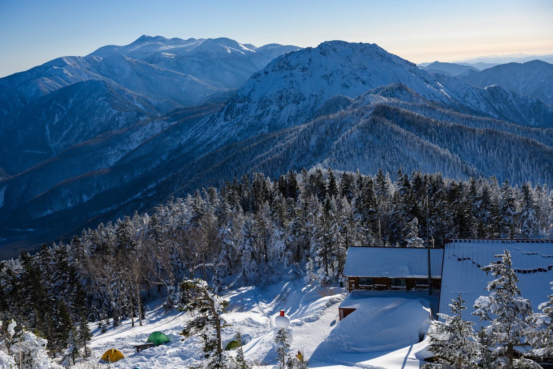 西穂山荘と焼岳と乗鞍岳