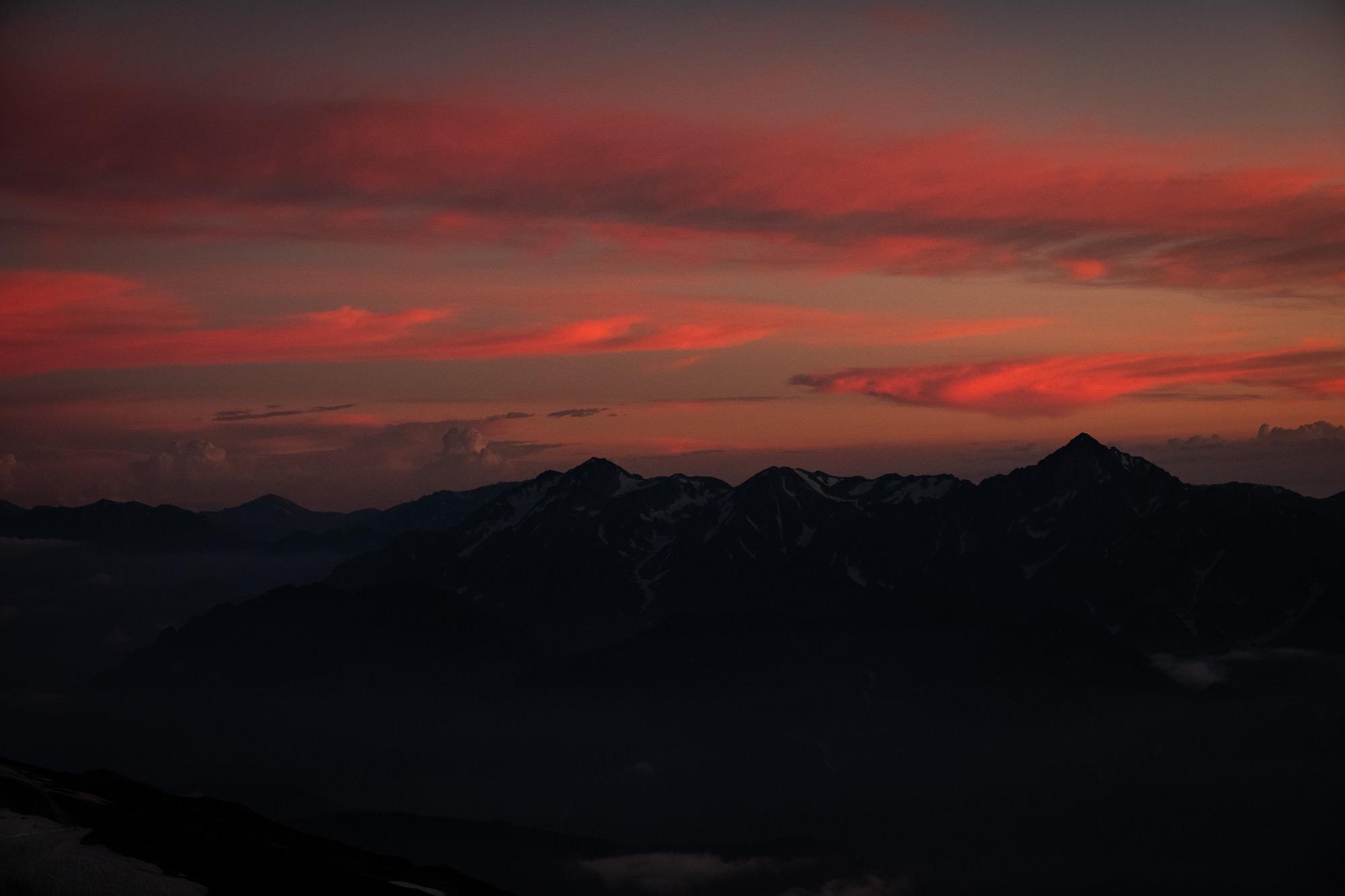 赤く染まる立山連峰