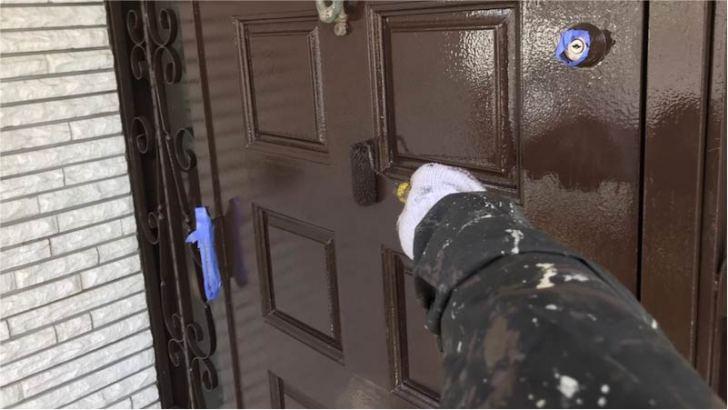 玄関ドアの塗装