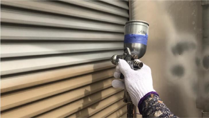 雨樋の錆止め塗装