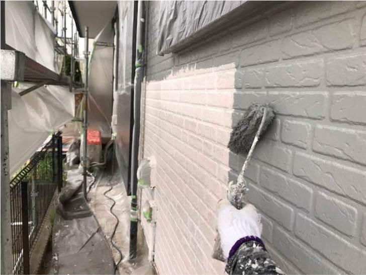 市原市の外壁塗装の中塗り