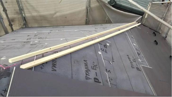 練馬区の屋根リフォームの棟下地の施工
