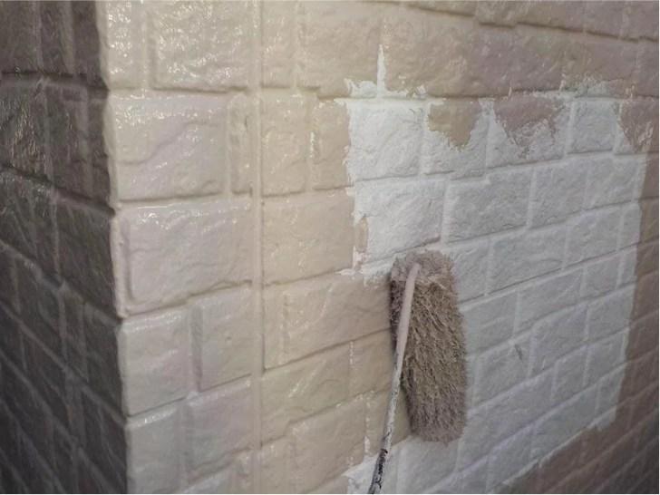 豊島区の外壁塗装の中塗り