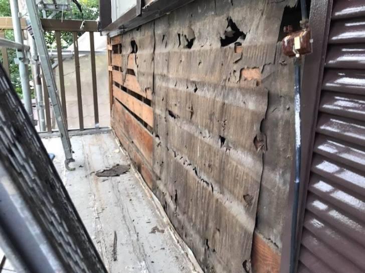 横浜市のサイディングの張り替え工事の外壁材の撤去
