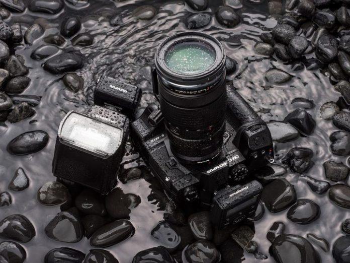 Olympus OM-D E-M1X: Kamera Mirrorless Pertama dengan Vertikal Grip Terintegrasi 1