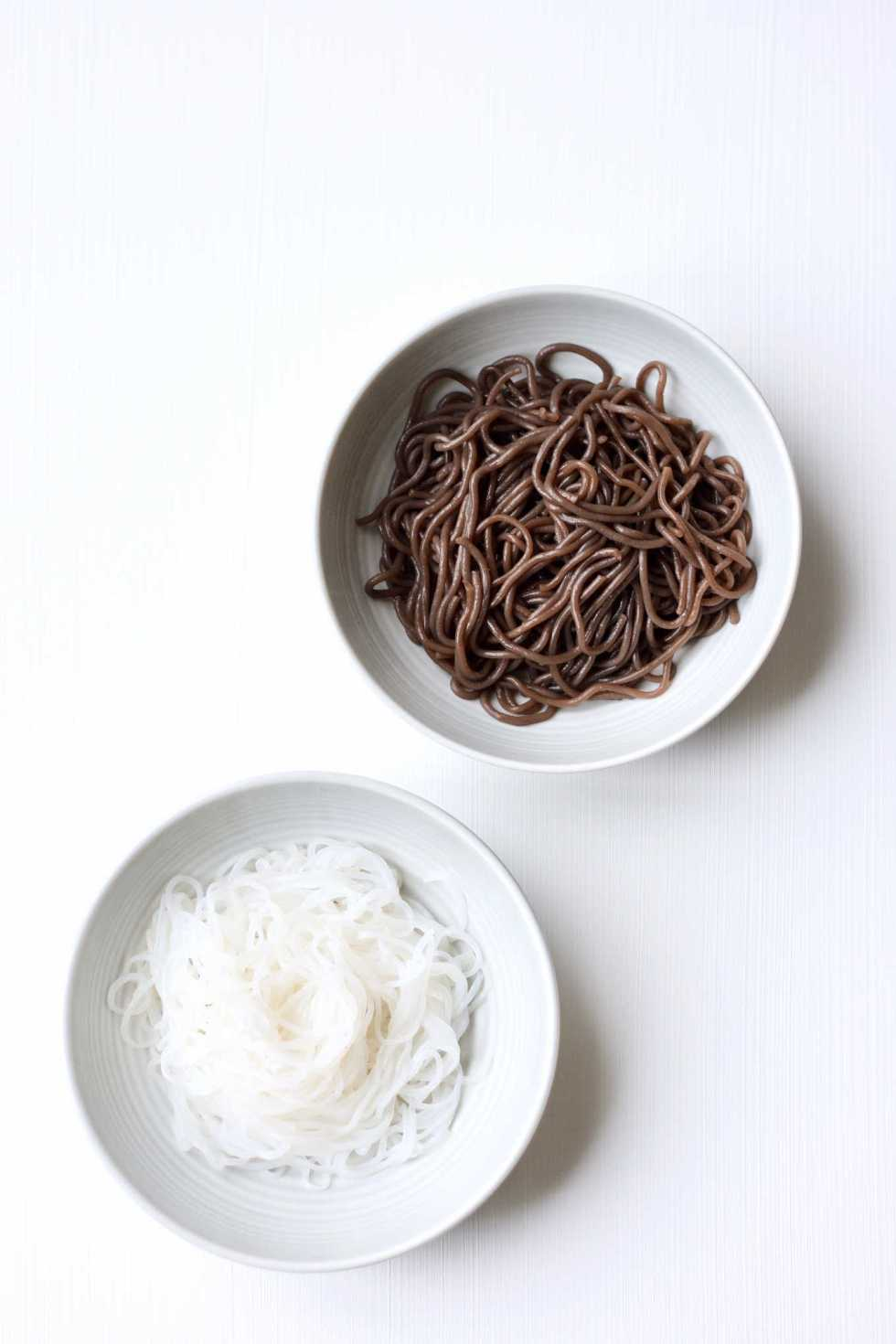 2 kinds of grain free and gluten free noodles used in Asia: shirataki noodles and wild fern root noodles.