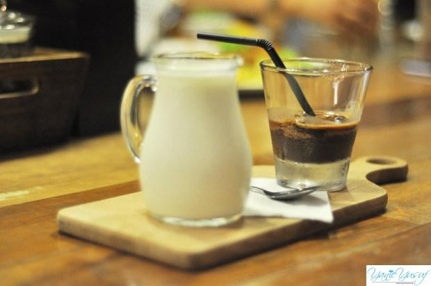 MOCHATELLA (Gabungan coffee cubes + nutella + milk)