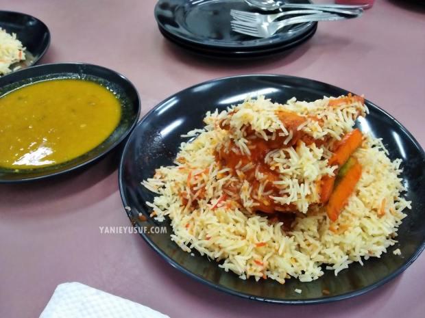 Nasi Briyani Ayam Merah