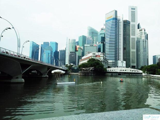 Cloud Nine: Raining, awan di sungai Singapore