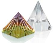 De BioGenesis Pyramids, zij onderwijst en harmoniseert de omgeving. De 8-Sided Pyramid activeert spirituele energieën in een ruimte en geeft ons het vermogen meer energie, meer geluk en groter succes in ons leven te ervaren. Zij zijn zeer geschikt voor meditatie, beïnvloedt de levende stilte in de atmosfeer en bevordert vrede en harmonie. BioGenesis Piramides openen uw huis en uw leven voor het licht van de vrede Kijk op de Remedies die je kunnen helpen!
