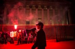 """A UTILISER UNIQUEMENT POUR DES SUJETS SUR L'ACTION FRANCAISE ET LE ROYALISME. APPELER POUR AUTORISATION DANS LES AUTRES CAS. 6 février 2016, Paris, FRANCE. Les jeunes de l'Action Française organisent une action devant l'Assemblée Nationale pour commémorer la tentative de coup de force du 6 février 1934 des ligues d'extrême droite. Ils crient """"A bas la république !"""". """"Pour que vive la France, vive le Roi !"""". Deux militant seront interpellés et mis en garde à vue. L'action était risquée dans le cadre de l'Etat d'urgence. Une enquête est toujours en cours et le verdict n'est pas connu."""