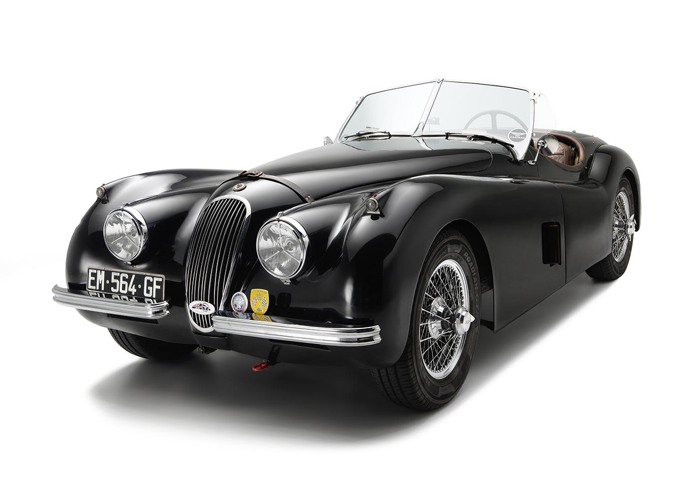 Vehicule-vintage-Jaguar-XK-120 -studio–grand-sud