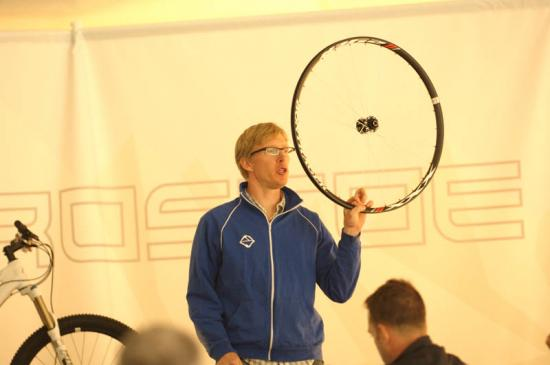 """Aaron Mock, PM for Gary Fisher, presents a 29"""" wheelset"""