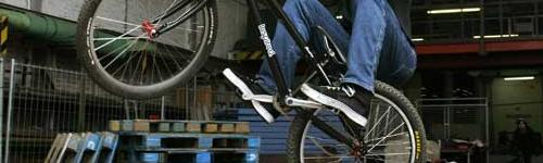 Danny-macaskill-street-vtt-trial-bike-velo-ecosse-scotland-jpg