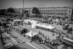 La croix rouge italienne accueille les refugies qui seront transferes vers les centres de retentions pour leur identification et les procedures de demandes d'Asile.