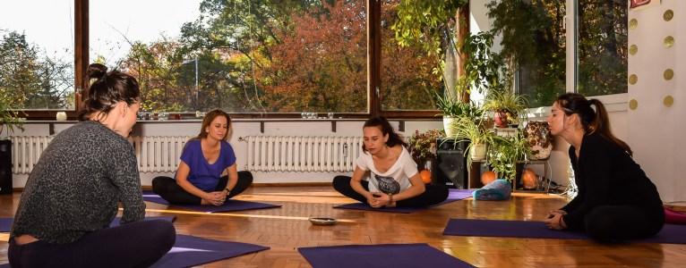 Йога за бременни с Калина