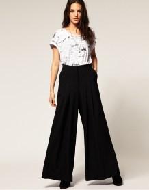 широкие брюки недопустимы для фигуры прямого типа