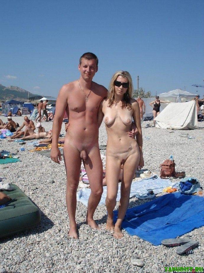 пары нудистов на пляже фото