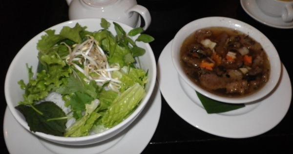 ハノイ料理ブンチャ(ハノイのつけ麺)