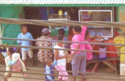 マダガスカルのお粥屋さん
