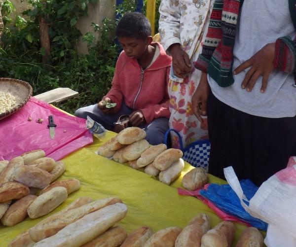 マダガスカルの手作りパン