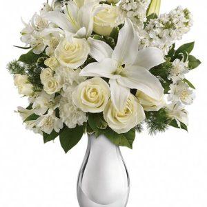 Shimmering-White-Bouquet