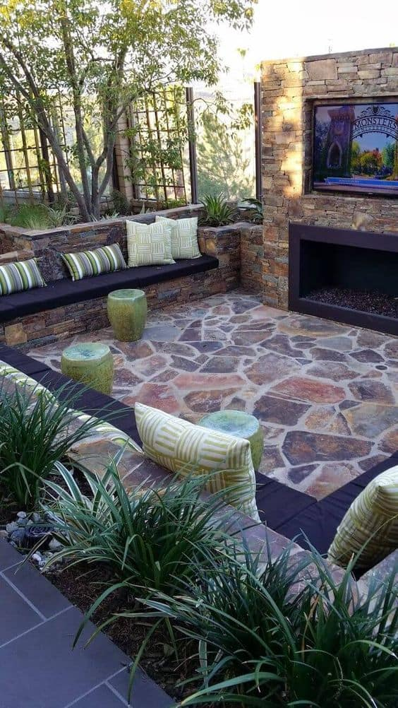 25 Fabulous Small Area Backyard Designs | Yard Surfer on Backyard Yard Design  id=92446