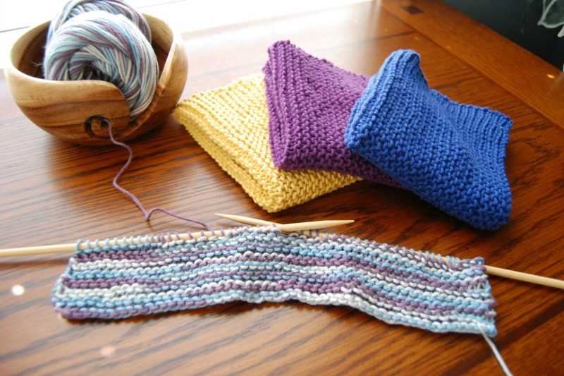 Super Easy Garter Stitch Wash Cloth