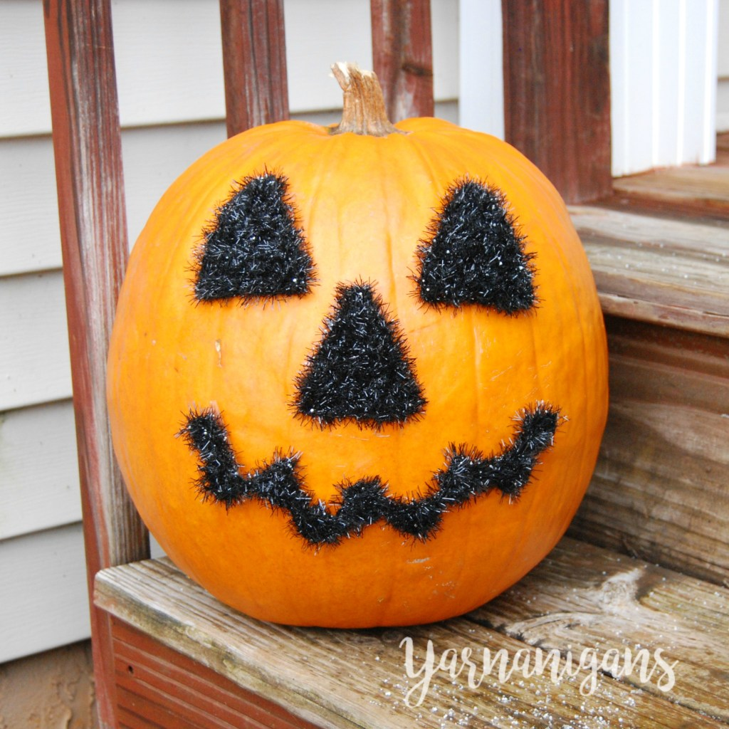 Halloween face motif free crochet pattern