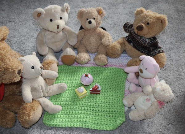 Teddy Bear Picnic - crochet blanket
